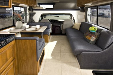 Large C30 2 5 Berth Motorhome Cruise America Vehicle
