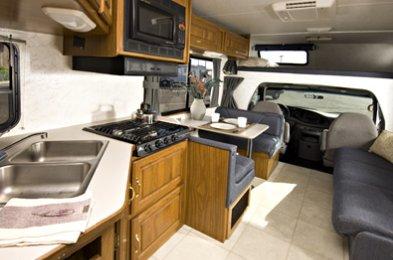 Large C30 2 5 Berth Motorhome Cruise America Vehicle